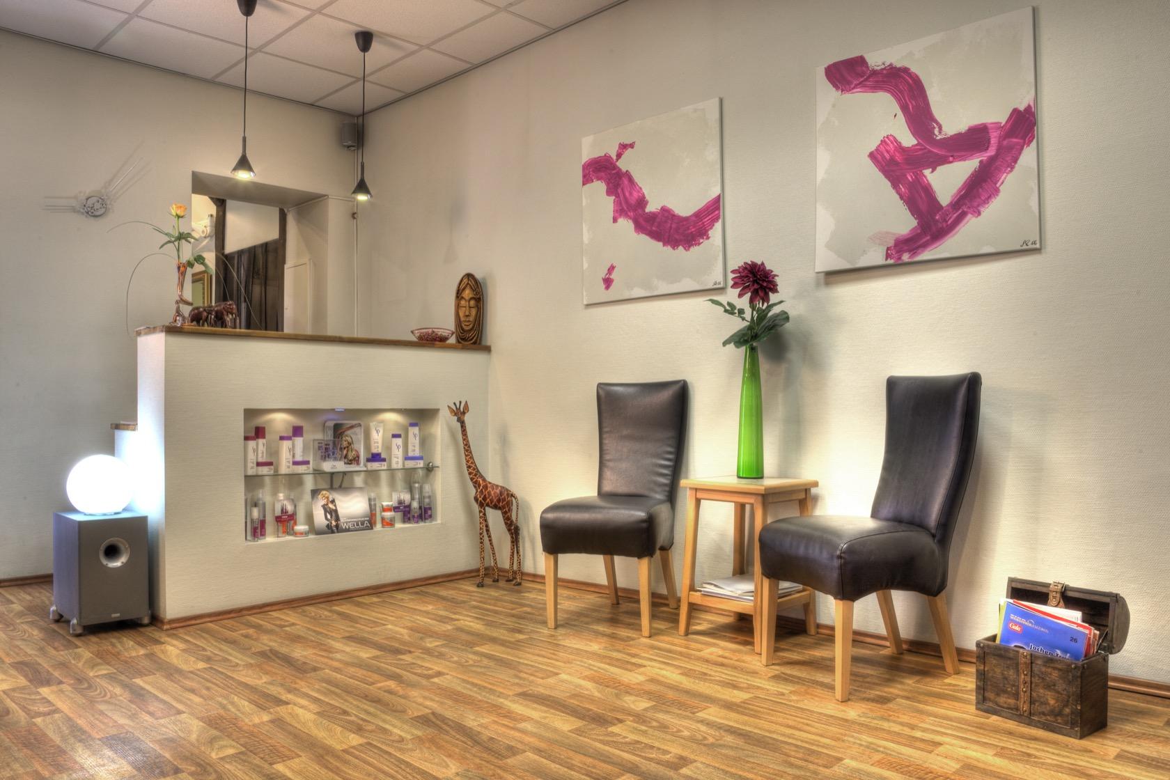 Der Wartebereich unseres Salons